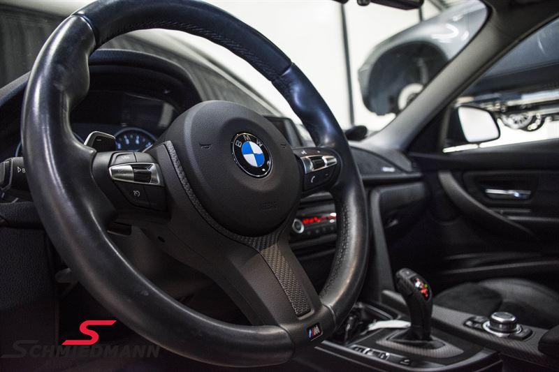 Afdækning ægte carbon/alcantara til sportsrat original -BMW ///M Performance-