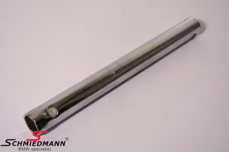Tændrørsnøgle til den originale on board værktøjs-kasse