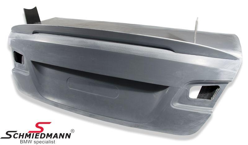 Bagklap med læbe -GT2 + GT4- i kulfiber, med beslag og forstærkning til hækvinge