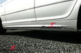 """Schmiedmann streamer til sideskørter rødt """"S"""" tekst sort længde: 60CM, højde: 9CM"""